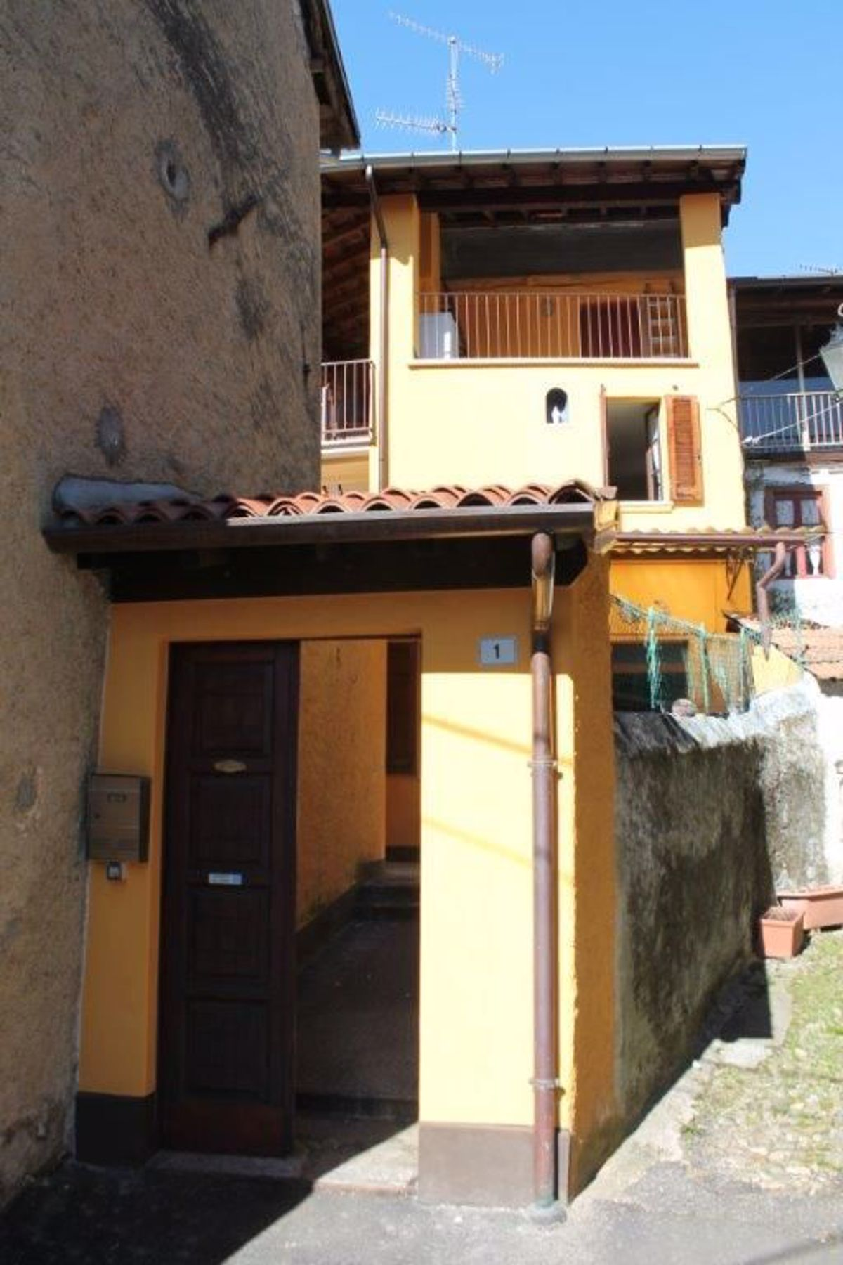 Soluzione Indipendente in vendita a Montegrino Valtravaglia, 5 locali, prezzo € 40.000 | CambioCasa.it