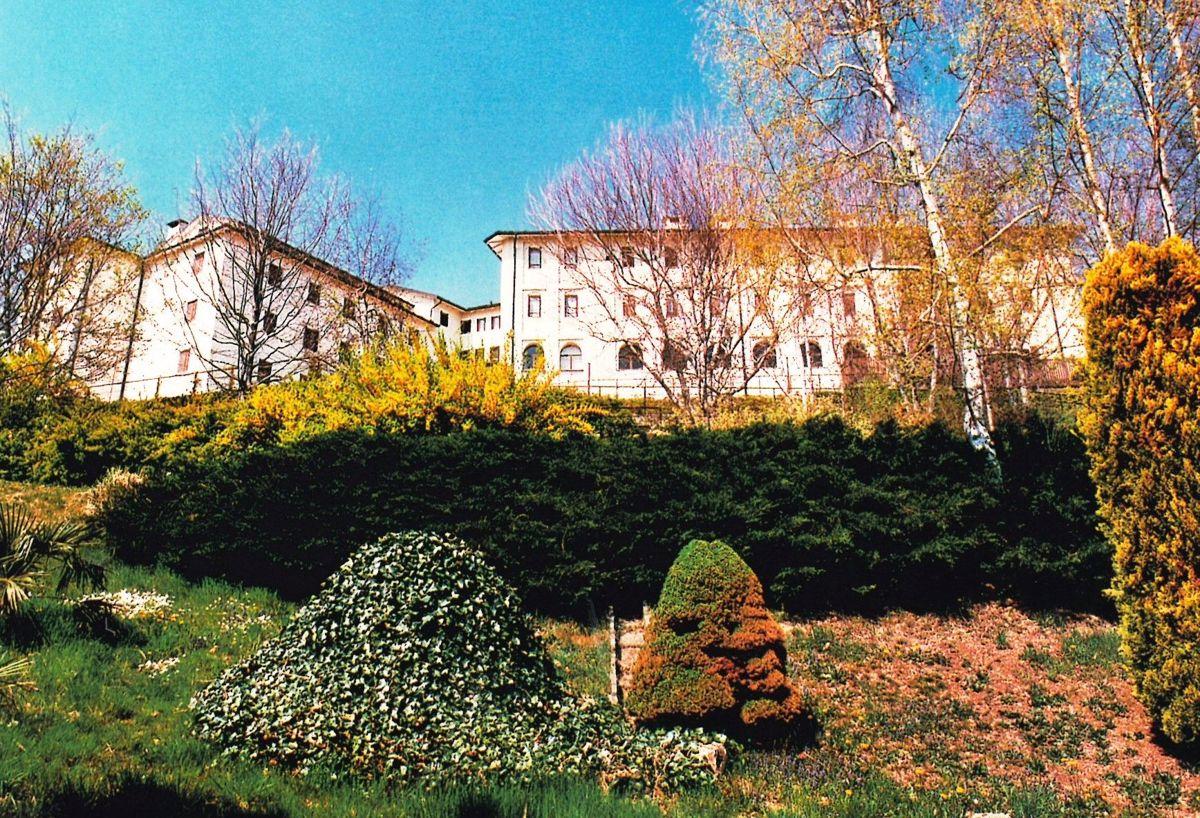 Palazzo / Stabile in vendita a Castelnuovo Nigra, 9999 locali, prezzo € 1.350.000 | PortaleAgenzieImmobiliari.it