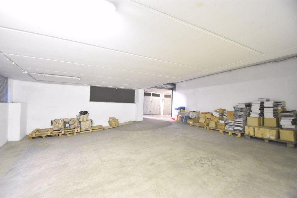 Box / Garage in vendita a Roma, 9999 locali, zona Zona: 23 . Portuense - Magliana, prezzo € 65.000 | CambioCasa.it