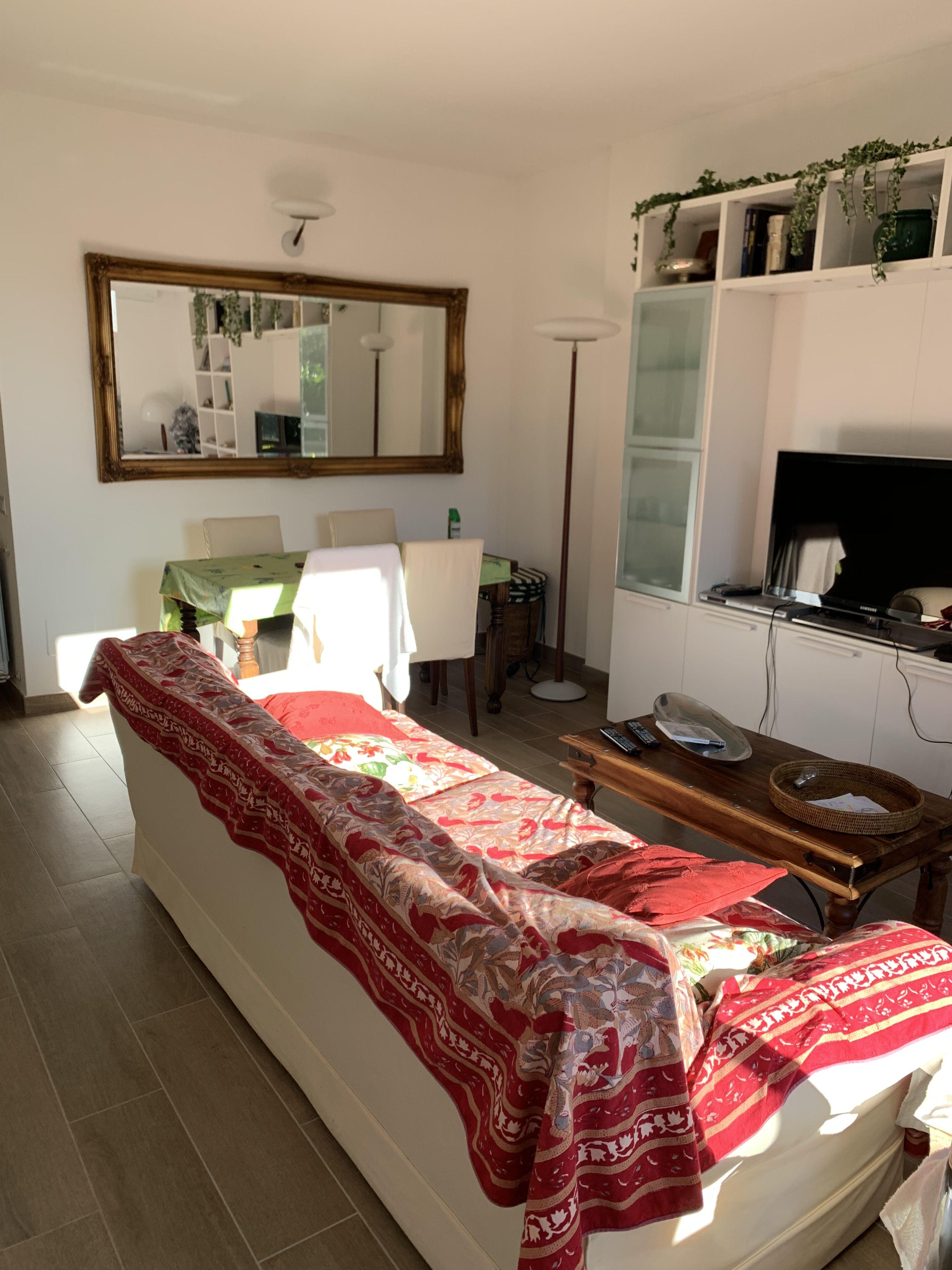 Appartamento in affitto a Meina, 2 locali, prezzo € 600 | CambioCasa.it