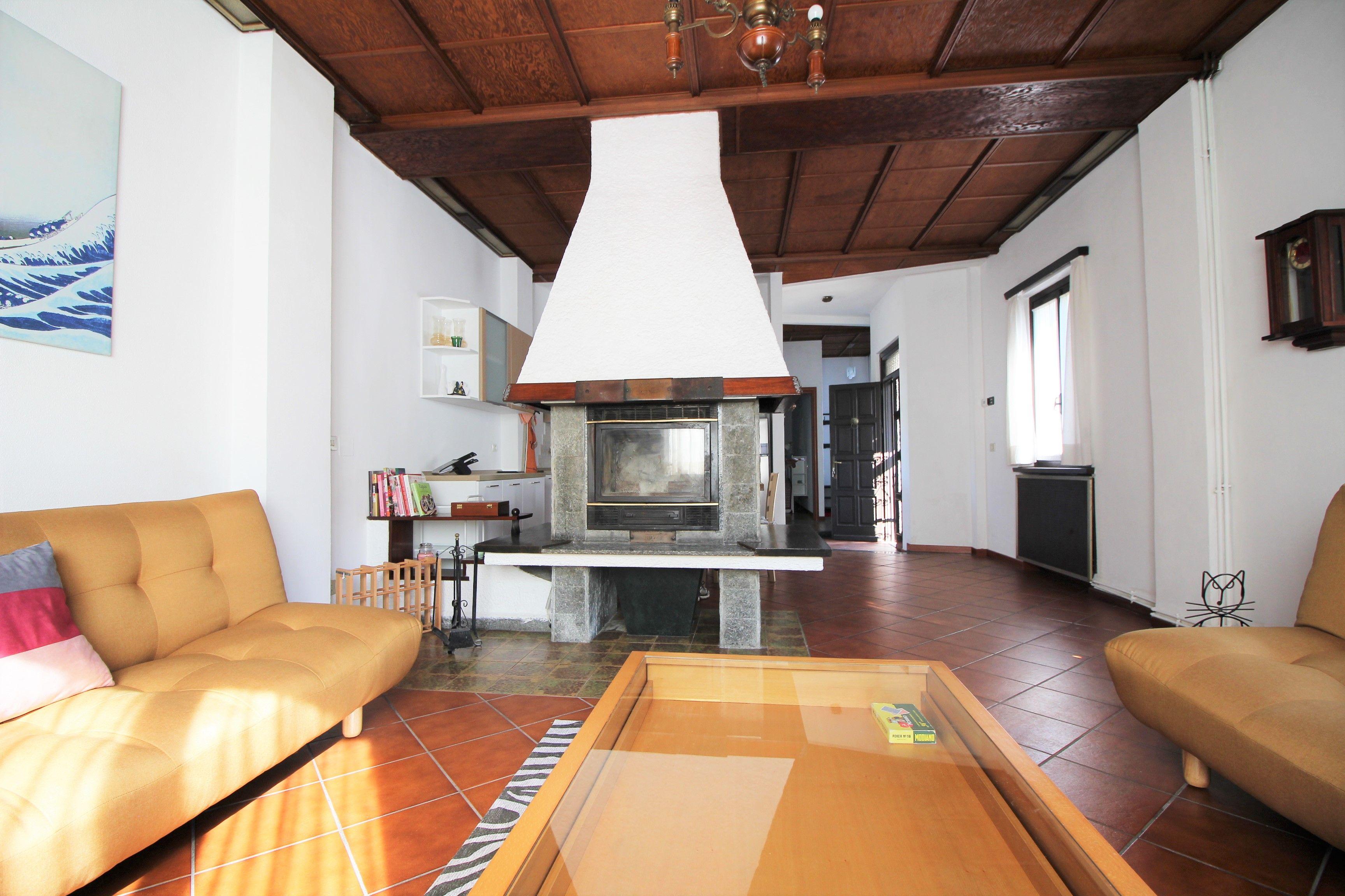 Villa Bifamiliare in affitto a Arona, 2 locali, prezzo € 700 | CambioCasa.it
