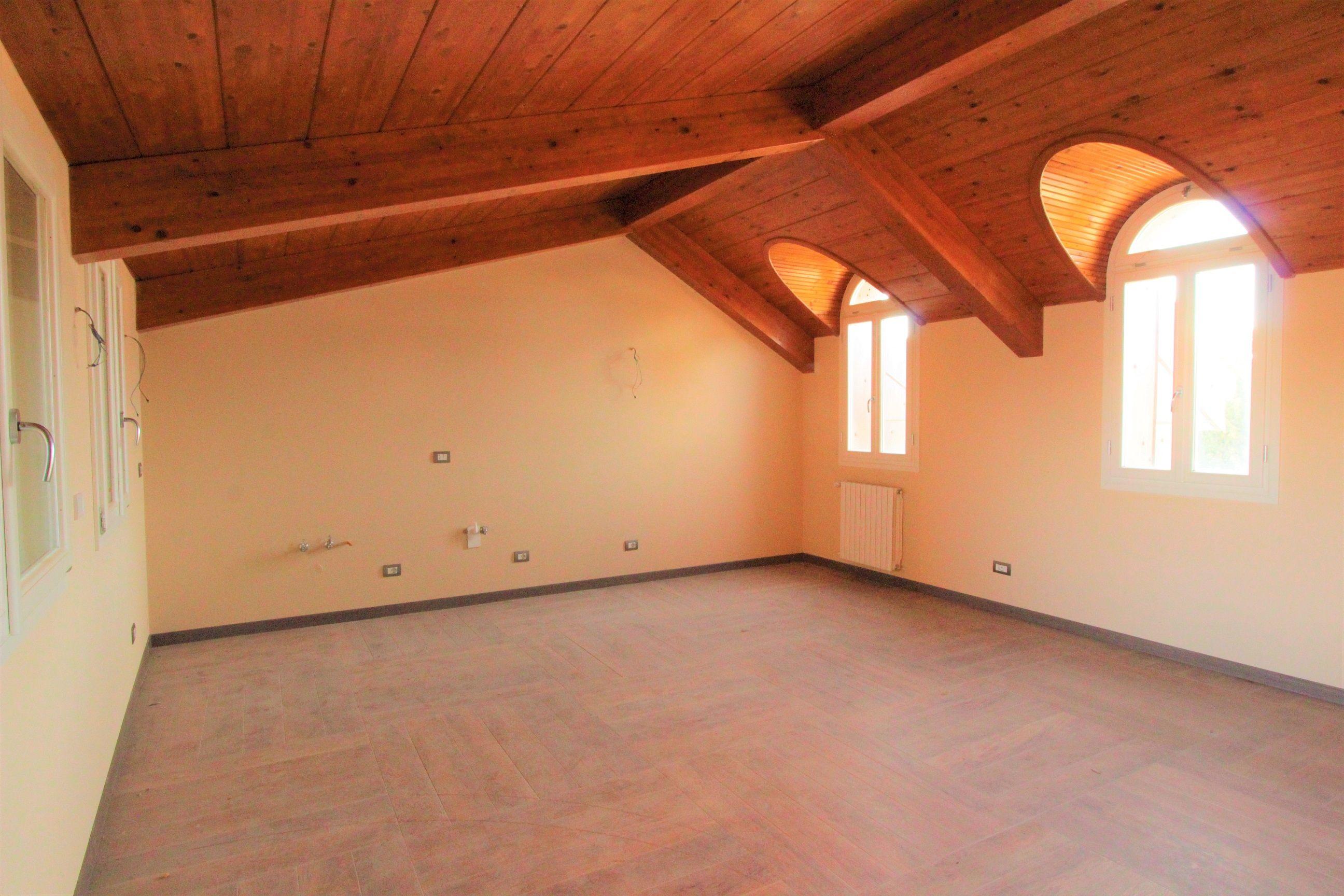 Appartamento in affitto a Borgomanero, 2 locali, prezzo € 650 | CambioCasa.it