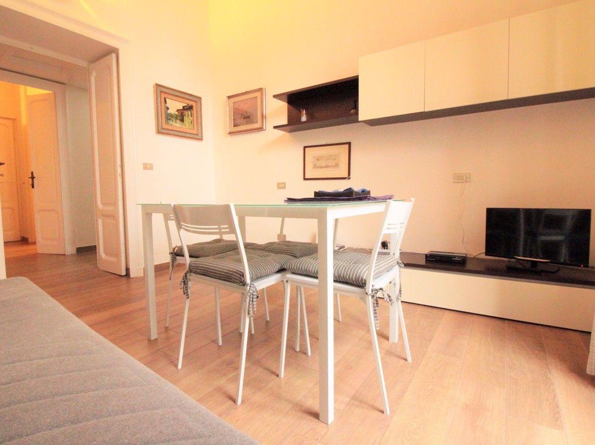 Appartamento in affitto a Arona, 2 locali, prezzo € 600 | CambioCasa.it