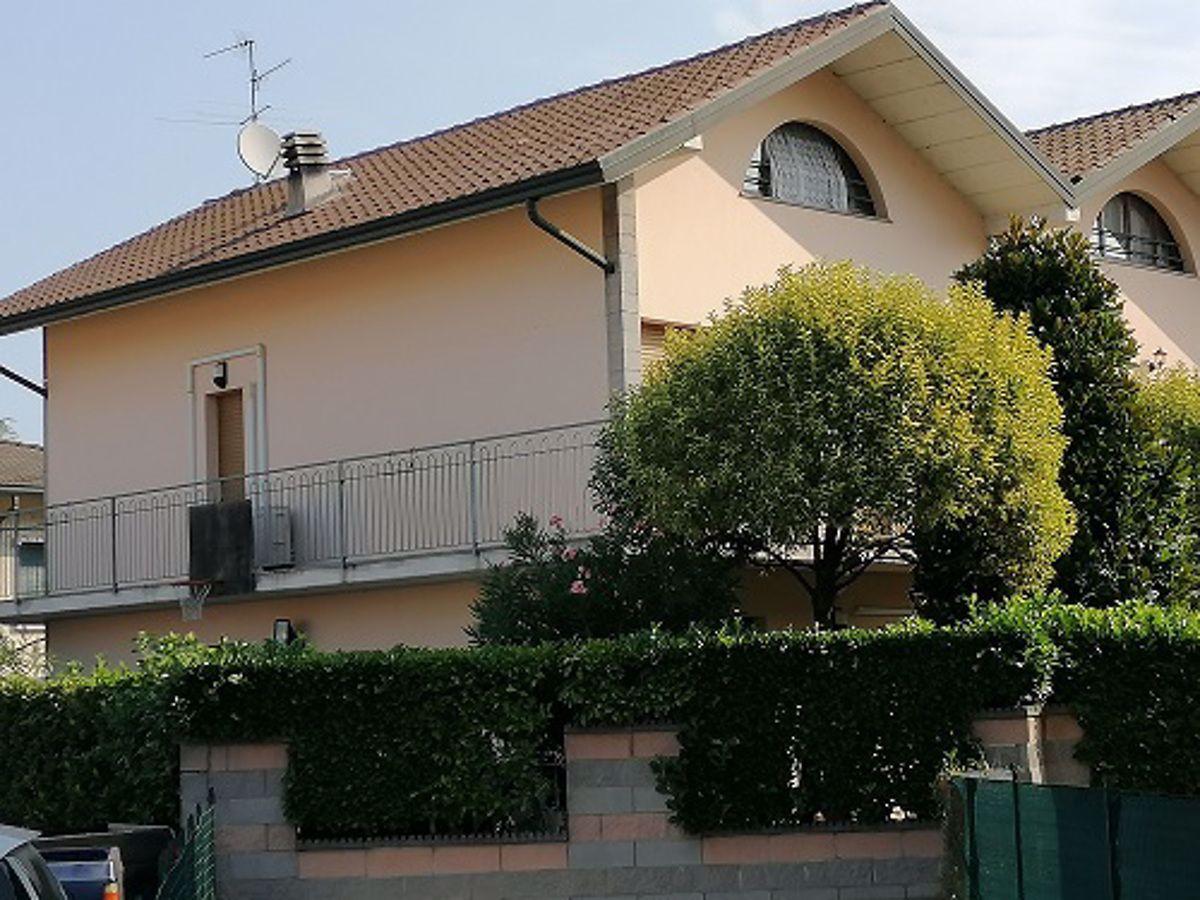 Villa a Schiera in vendita a Pandino, 6 locali, prezzo € 310.000 | CambioCasa.it