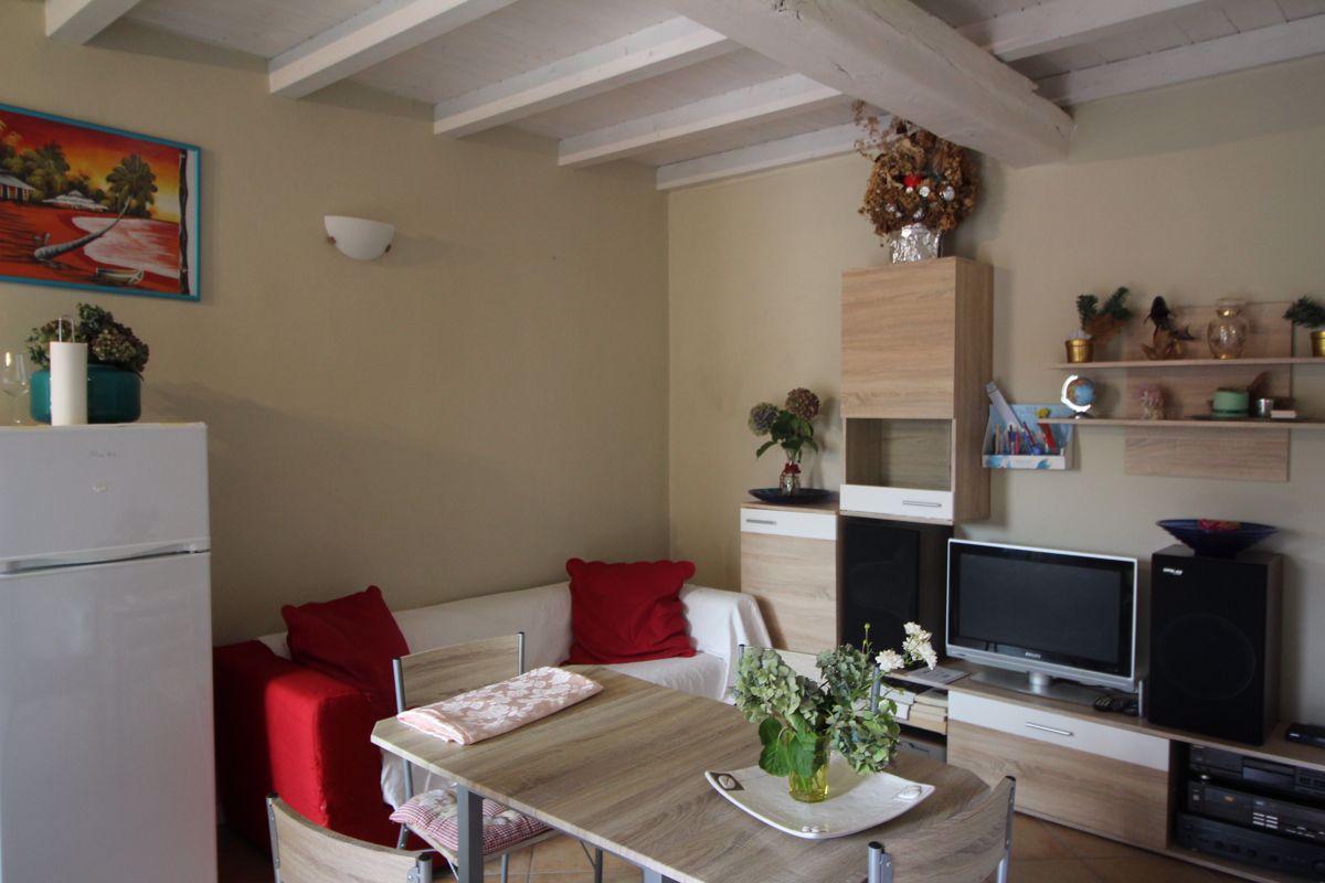 Appartamento in affitto a Arona, 2 locali, prezzo € 650 | CambioCasa.it
