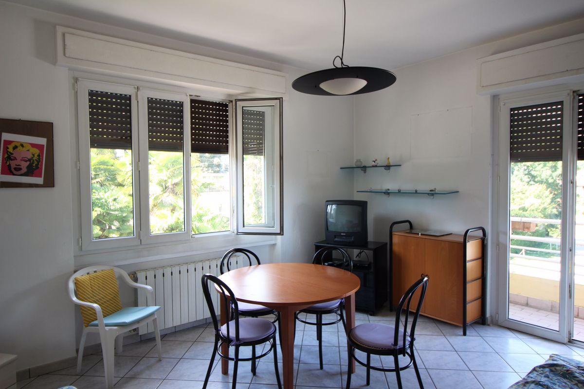 Appartamento in affitto a Lesa, 2 locali, prezzo € 500 | CambioCasa.it