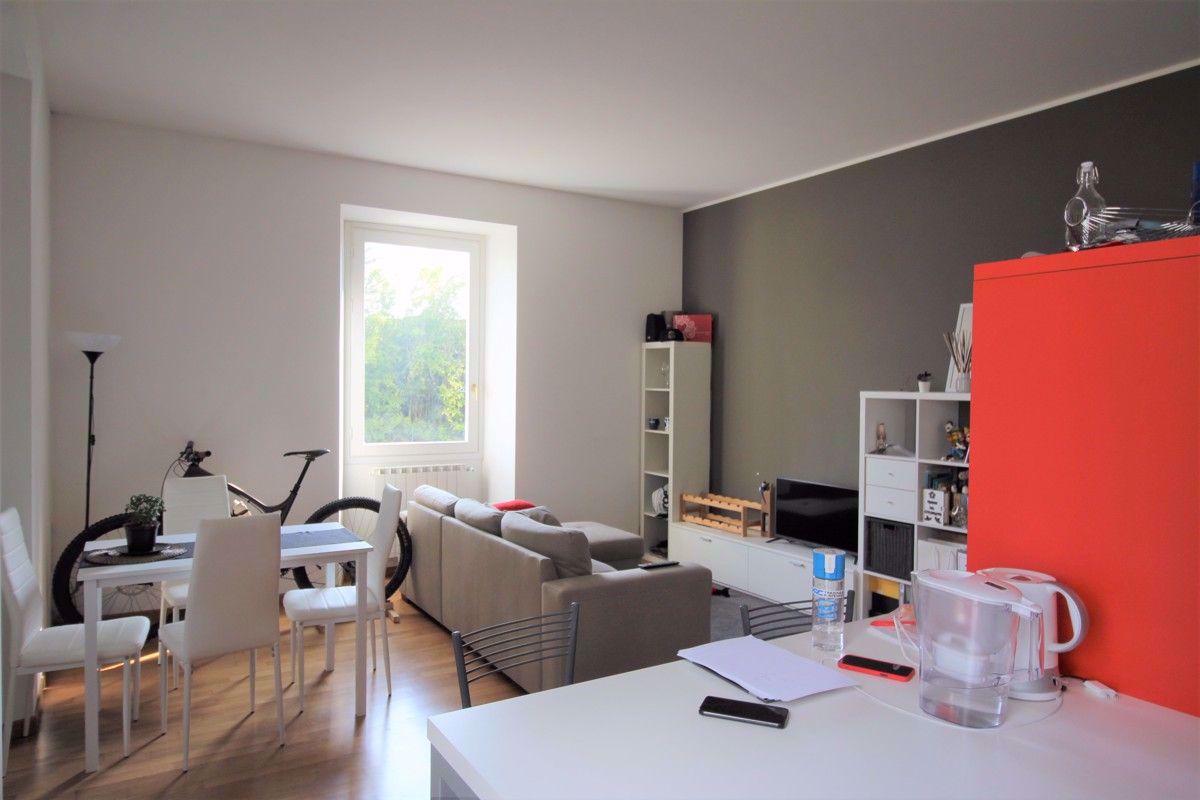 Appartamento in affitto a Meina, 2 locali, prezzo € 700 | CambioCasa.it